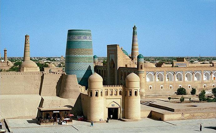 kalta-minaret